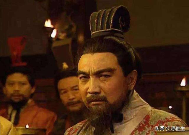 """""""青梅煮酒论英雄""""里,刘备为何不称曹操是英雄?"""